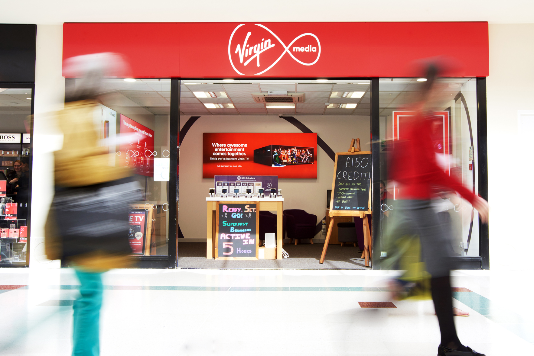 Photographer in Newcastle shoots Virgin Media Stores